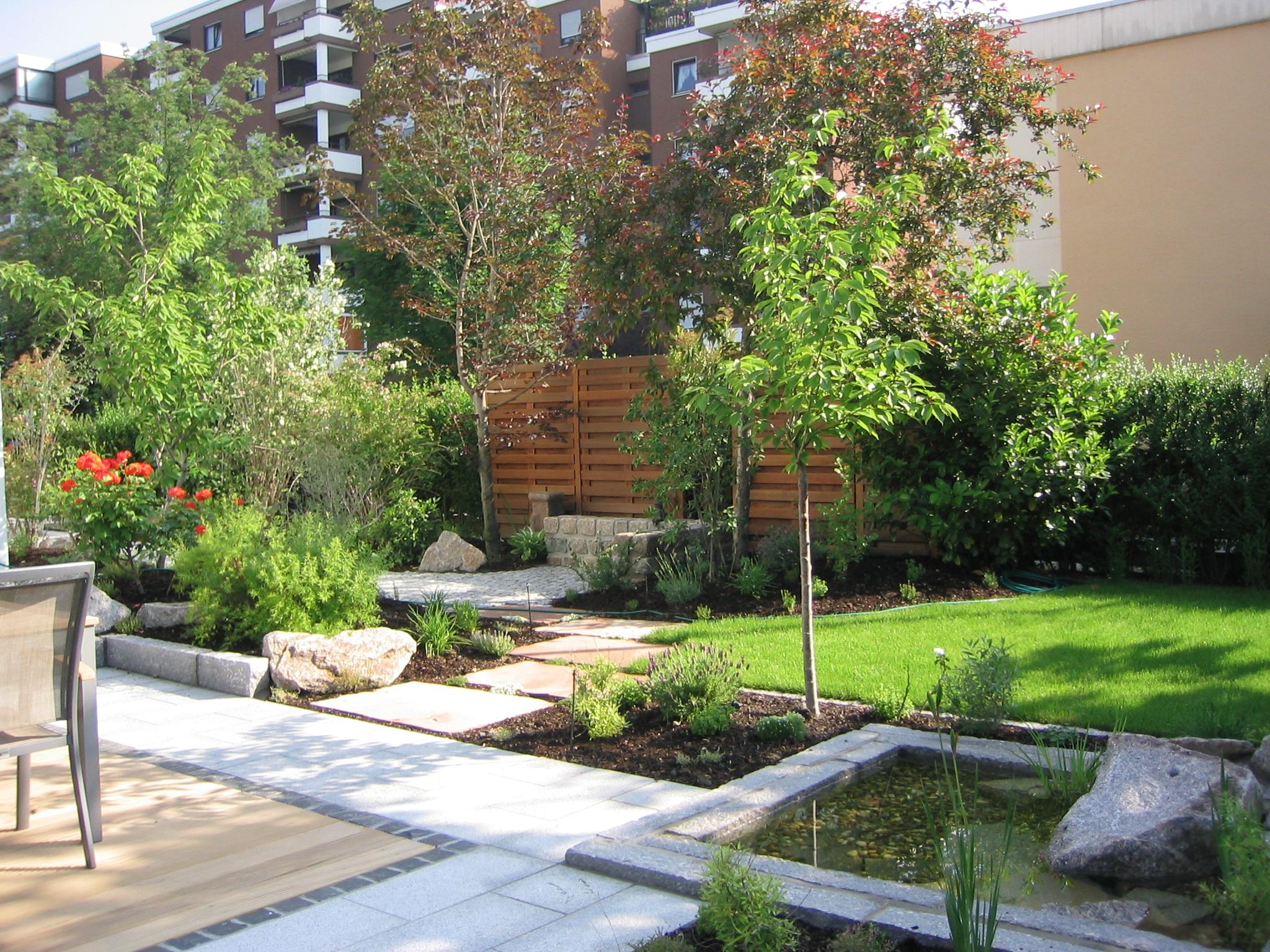 Ein reihenhausgarten matthias lutz der garten - Langer garten gestalten ...